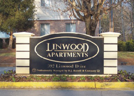 Linwood Apartments Sign